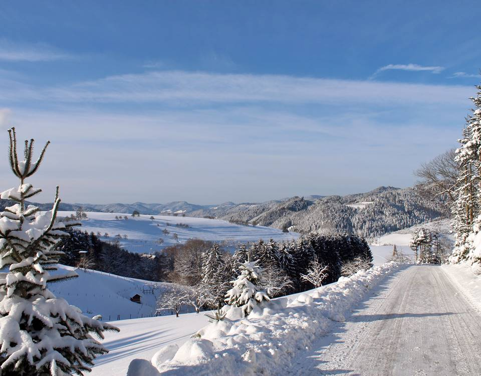 Winterlandschaft über Oberharmersbach